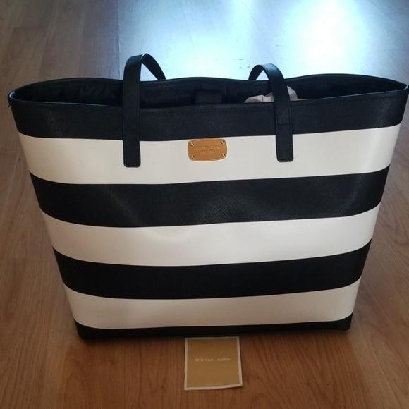 black and white michael kors purse